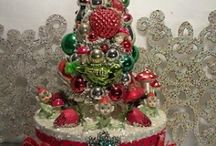 Vintage Christmas / My fav way to decorate for the holidays / by Diane Hoffman