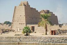 ARQUITECTURA EGIPCIA / by D. Muerte Ceniza