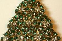 CHRISTMAS TREE PINS / CHRISTMAS TREES  / by Susan Maze