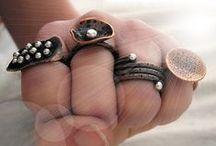 put the ring, hands, ring, mano, anillo / by Alejandra Meza