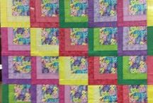 Quick Quilt Projects / by Tina Uffelman