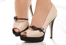 Shoes / by Frida Abaroa