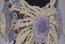 Scarves & Shawls / by Lynn Watkinson