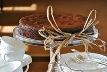 Cakes / by Narjes