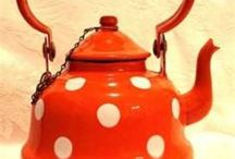 Tea pots / by Lamia Sultan