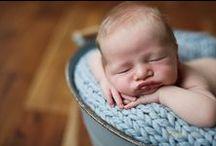Newborn Pictures Ideas / by Lara Vida