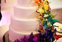 Wedding Cakes  / Beautiful wedding cakes.  / by Gezabell