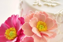 Decoración de tortas y cupcakes / by Carolina Miranda Bravo