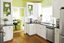 Kitchens / by Patricia Lauder