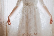 Project: Scalloped Lace Wedding Dress / by Jamie Lau