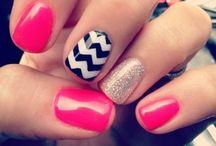 Nails! Nails! Nails! / by Sooz Korstad