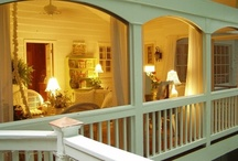 I LOVE Porches / by Tiffany Bohnert