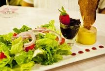 Restaurant Reviews / by Honey Bee's Recipes