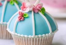 cupcakes / by Giny Bakker