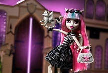 Monster High / Cassie LOVES Monster High!  The are very cute! / by Leslie Hopwood