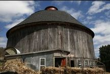 Barns / by Ronald Dais