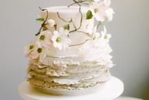 [ Cakes, cupcakes and more ] / by Madalina Cruz