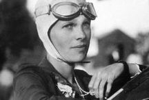 """Amelia Earhart / Amelia Mary Earhart (Atchison, Kansas, 24 de Julho de 1897 — desaparecida em 2 de Julho de 1937) foi pioneira na aviação dos Estados Unidos, autora e defensora dos direitos das mulheres.1 2 Earhart foi a primeira mulher a receber a """"The Distinguished Flying Cross"""",3 condecoração dada por ter sido a primeira mulher a voar sozinha sobre o oceano Atlântico.  Foi declarada morta no dia 5 de janeiro de 1939. Seu modo de vida, sua carreira e o modo como desapareceu até hoje fascinam as pessoas. / by Elizabeth Sena"""