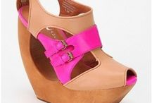 Crazy for Wedges / by Rawan K