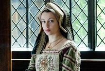 Tudor England ~ people / The characters, the personalities; their notoriety and their apparel... And a few modern takes on the period thrown in for good measure! / by Wïllöw Wêl§h