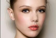 Beauty  / Nail polish, Make-up... / by Ariana Amorim