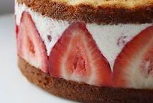 Cake / by Louise Hansen