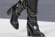 Style: Shoes - boots / by Nille Franck