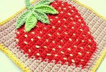crochet potholder / by Kanarin Einarsdotter