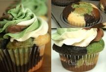 Cakes! Cakes! Cakes! / by Megan Bertrand