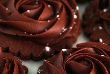 Choco / Entre un chocolate y un hombre... CHOCOLATE, obvio. / by Blavatsky Zambrano