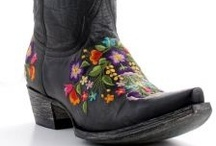 Allens Boots / Beautiful and unique cowboy boots from Allens Boots. / by Allens Boots