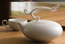 *o* > Teapots / by Hélène Braconnier
