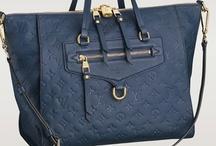 Bag Lady! / by Lynn Perez
