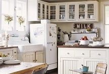 {Chic} Homes & Kitchens / by Kris Schoels