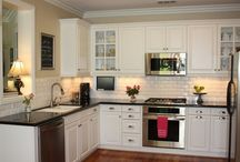 Kitchens / by Tricia Gielow-Mikos