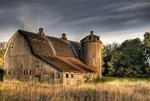 Beautiful Barns & Old Farm Houses/ becoming a thing of past / by Jane AnnJimmie Britt