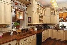 Kitchens / by Barb Mapes