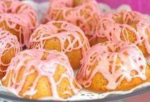 Cakes/Icings / by Lauren Buchan
