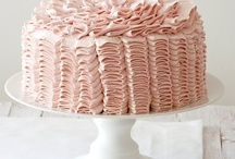 Beautiful Cakes / by Ann Favot