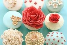 Cupcake Maniac  / by Diana Bh