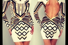 Dress It Up / by Diana Bh