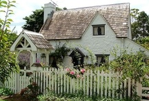 Charming Cottages and Storybook Houses / by Lorraine Neaves