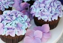 Food: Cupcake Love / Creative Cupcakes / by Oh My! Creative