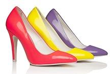 Shoeaholic / by Ilse van den Bighelaar