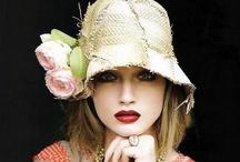 Un Chapeau / #Hats / by Cecile Fayen