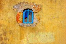 Puertas y ventanas / by Fabiola Rodríguez