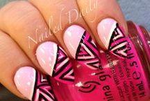 nails / by Dani Everett