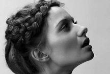 Un peu ici, un peu là, et tordre vos cheveux / by Melanie Hamblin