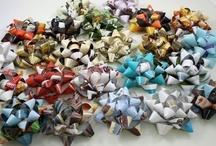 Giftin' / neat gift ideas + DIY gift packaging / by Bridget Kehoe