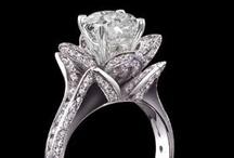 Wedding Stuff / I'm not getting married any time soon, but I do love wedding stuff! / by Robyn Rubins